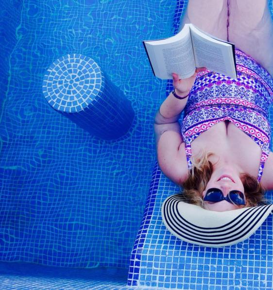 Babymoon reading